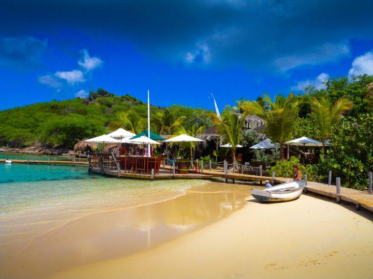 beach saint martin island